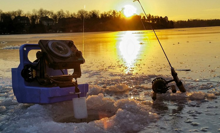 ice fishing fish finder